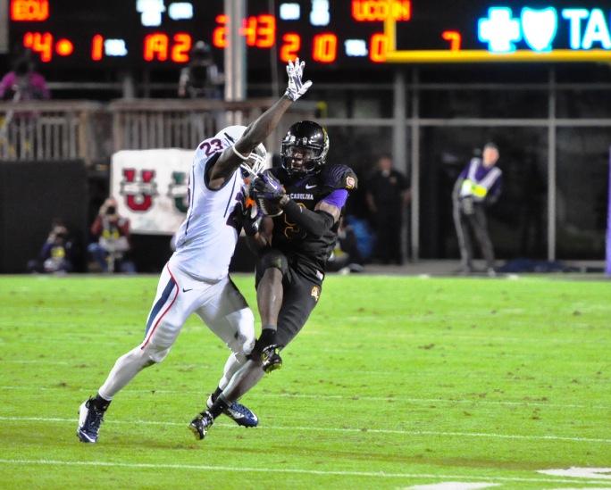 College Football Photo Gallery | ECU vs  UConn [fb-102314]
